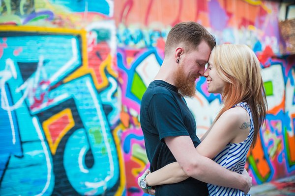 Graffiti Alley Engagement Photos  ||   Photography by Brea  ||   Charm City Wed  ||  www.charmcitywed.com