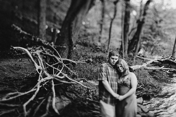 GunPowder Fall Engagement Session  ||  Kate Ann Photography  || Charm City Wed  ||  www.charmcitywed.com