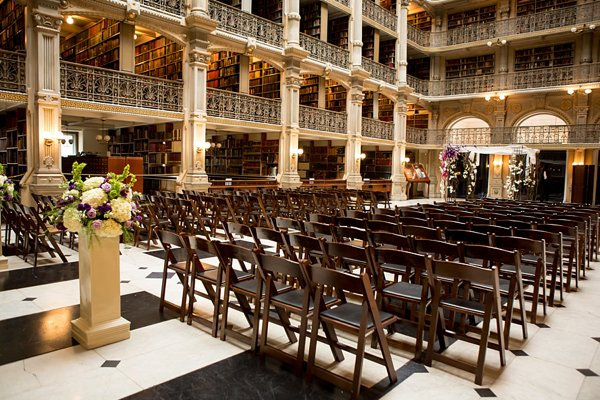 Peabody Library Wedding  ||  Photography by Ellen  ||  Charm City Wed   ||   www.charmcitywed.com
