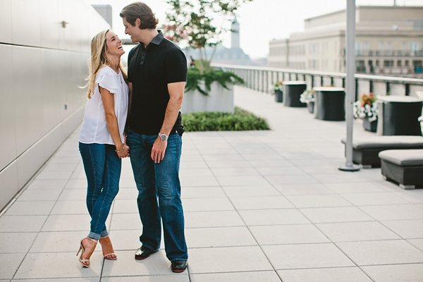 DC Newseum Engagement Session  ||  Ellie Be Photography   ||  Charm City Wed  ||  www.charmcitywed.com