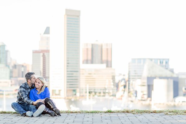 Federal Hill Park Engagement Photos  ||  Anna Grace Photography  ||  Charm City Wed   ||  www.charmcitywed.com