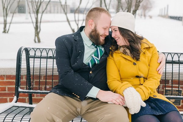 Snowy Annapolis Engagement Photos ||  Amanda Adams Photography  ||  Charm City Wed  ||  www.charmcitywed.com
