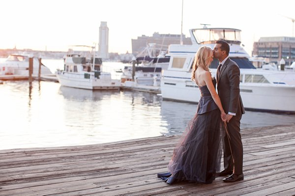 Waterfront Engagement Pictures    Nikki Kauzlarich Photography    Charm City Wed    www.charmcitywed.com