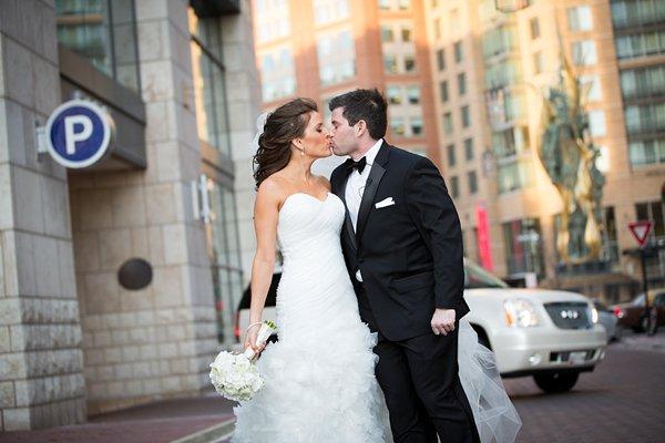 Baltimore Four Seasons Wedding  ||  JFannon Photography  ||  Charm City Wed  ||  www.charmcitywed.com