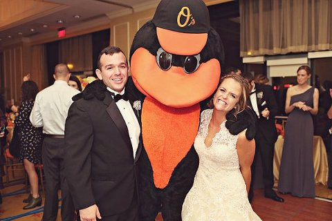 Orioles Themed Wedding  ||  Misa Me Photography  ||  Charm City Wed  ||  www.charmcitywed.com