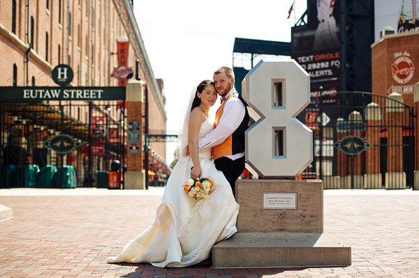 O's themed wedding  ||  Angel Kidwell Photography  ||  Charm City Wed  ||   www.charmcitywed.com
