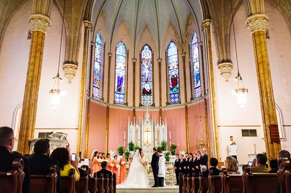 Holy Cross Catholic Church Baltimore Wedding Ceremony  ||  Lauren C Photography  ||  Charm City Wed  ||   www.charmcitywed.com