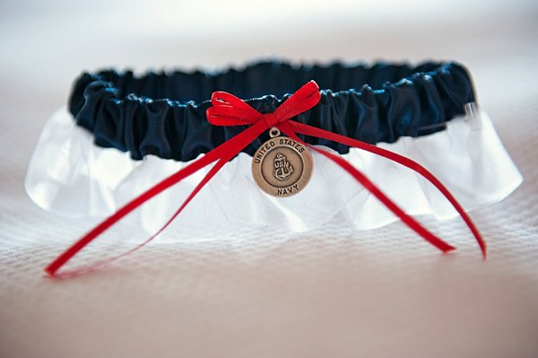 Navy Garter ||  Kathleen Hertel Photography   ||  Charm City Wed  ||  www.charmcitywed.com