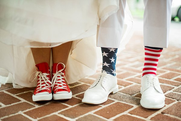 4th of July Wedding Inspiration  ||   Sknow Photo  ||  Charm City Wed  ||  www.charmcitywed.com