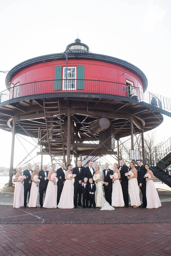 seven foot knoll lighthouse wedding  ||  Beth T Photography   ||  Charm City Wed  ||  www.charmcitywed.com