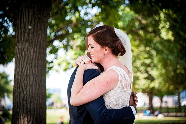 Federal Hill Park Wedding || Robin Shotola Photography || Charm City Wed || www.charmcitywed.com