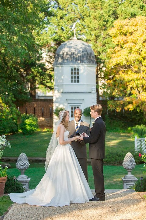 William Paca House Wedding    Anna Schmidt Photography    Charm City Wed    www.charmcitywed.com