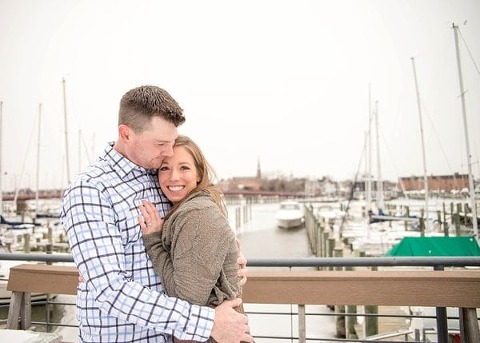 Snowy Annapolis Engagement Session || Photos from the Harty || Charm City Wed || www.charmcitywed.com