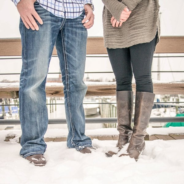 Snowy Annapolis Engagement Session    Photos from the Harty    Charm City Wed    www.charmcitywed.com