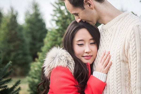 Gaver-Christmas-Tree-Farm-Engagement-Session_AlysiaandJasonPhotography_CharmCityWed_0017.jpg