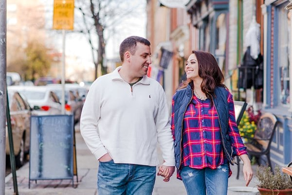 Fells Point Waterfront Engagement || Kirsten Smith Photography || Charm City Wed || www.charmcitywed.com