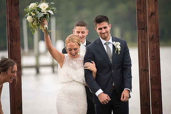 Backyard Waterfront Wedding || Mike B Photography || Charm City Wed || www.charmcitywed.com