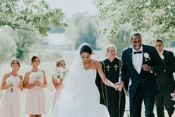 Romantic Backyard Wedding || Bekah Kay Creative || Charm City Wed || www.charmcitywed.com