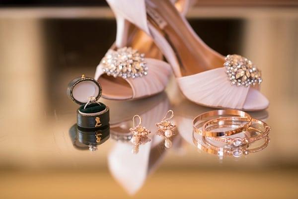 Running Hare Vineyard Wedding || Mike B Photography || Charm City Wed || www.charmcitywed.com