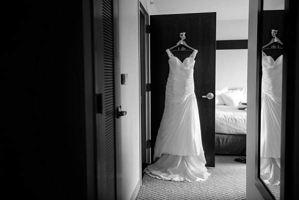 Summer Baltimore Museum of Industry Wedding || Annabelle Dando Photography || Charm City Wed || www.charmcitywed.com