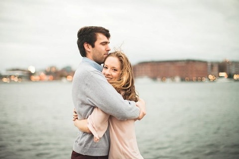 Fall Baltimore Engagement Session    Horace and Mae Photography    Charm City Wed    www.charmcitywed.com