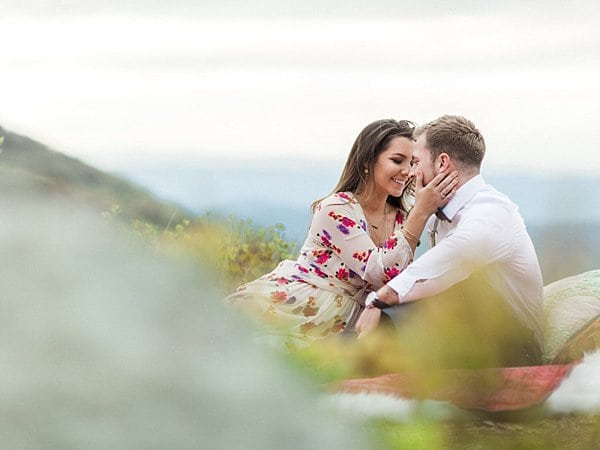 Mountain Engagement Session || Molly Lichten Photography || Charm City Wed || www.charmcitywed.com