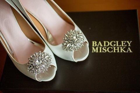 George Peabody Library wedding || Artful Weddings || Charm City Wed || www.charmcitywed.com
