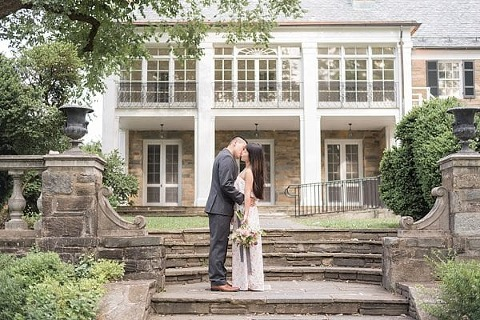 Glenview Mansion Engagement || Feather & Fawn Photography || Charm City Wed || www.charmcitywed.com